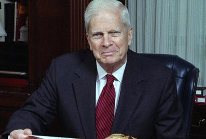 Photo of former Librarian of the Congress and Fulbright Finland alum James Billington